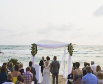 sunny-beach-wedding-550-int
